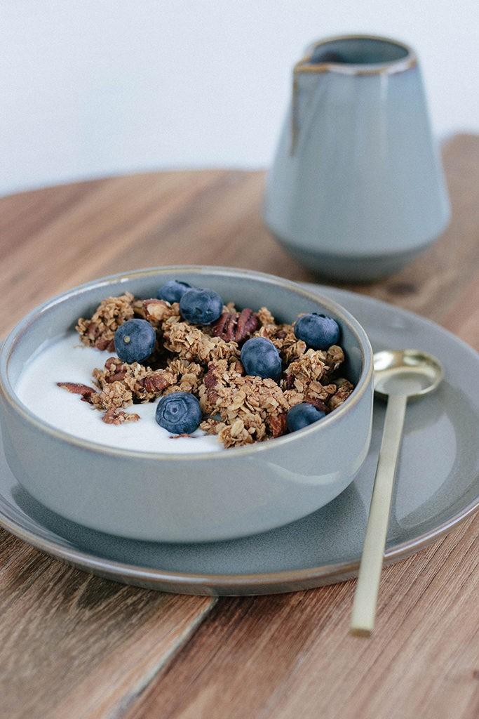 Recept: Ontbijt met espresso granola - Angelina Catharina, by Eunoia