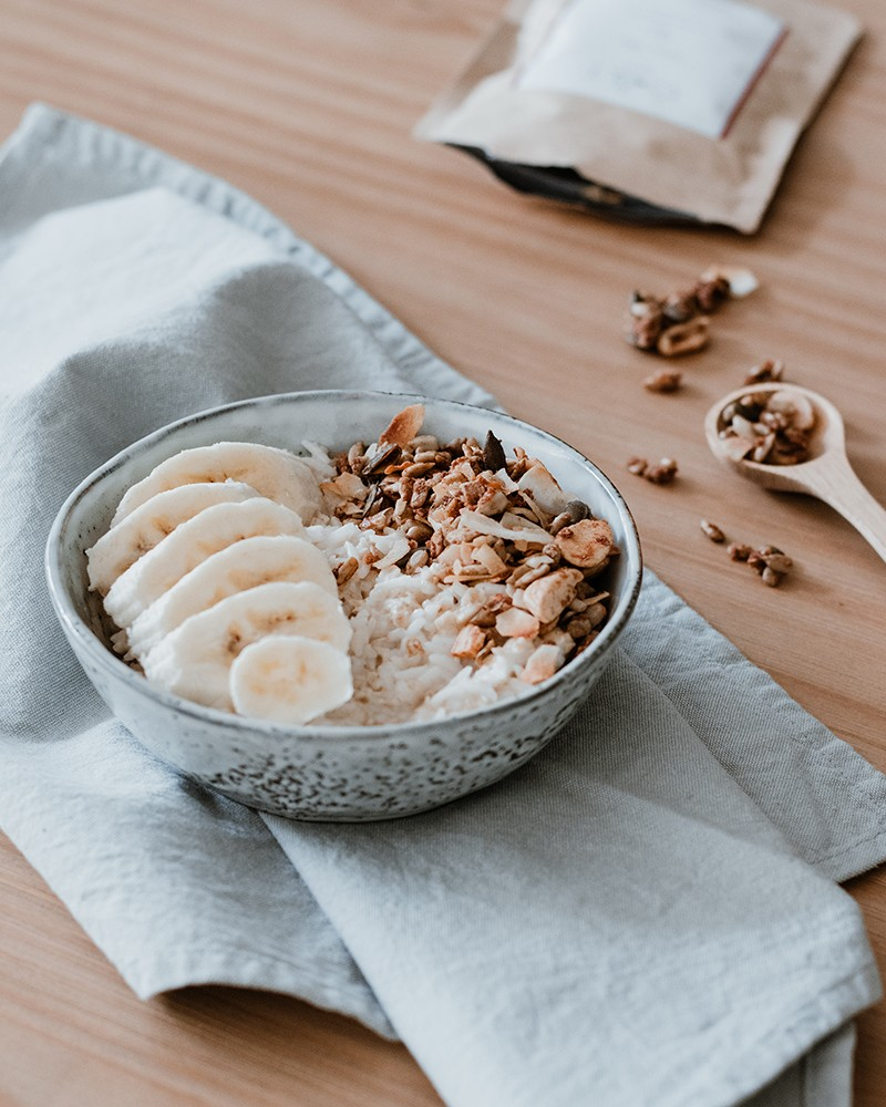 Recept: Romige kokosontbijt met banaan - Angelina Catharina